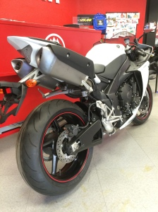 Yamaha YZF-R1 Outlet 2010